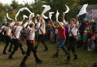 Morris Dancers - Jenny Chandler blog